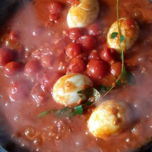 finished egg tomato red lentil curry sonia cabano bloag eatdrinkcapetown