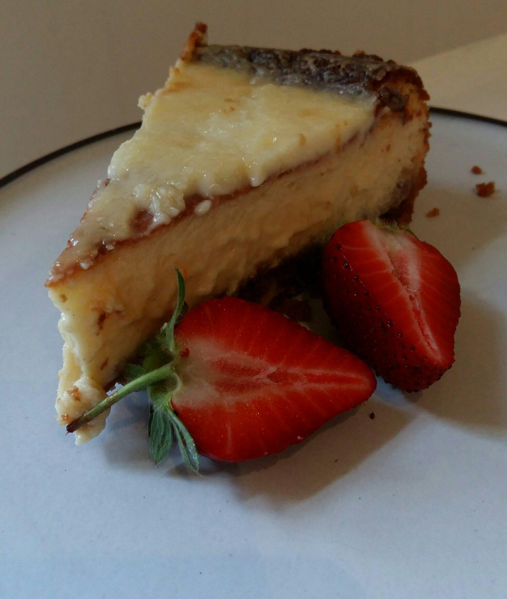 Lemony sour cream cheesecake